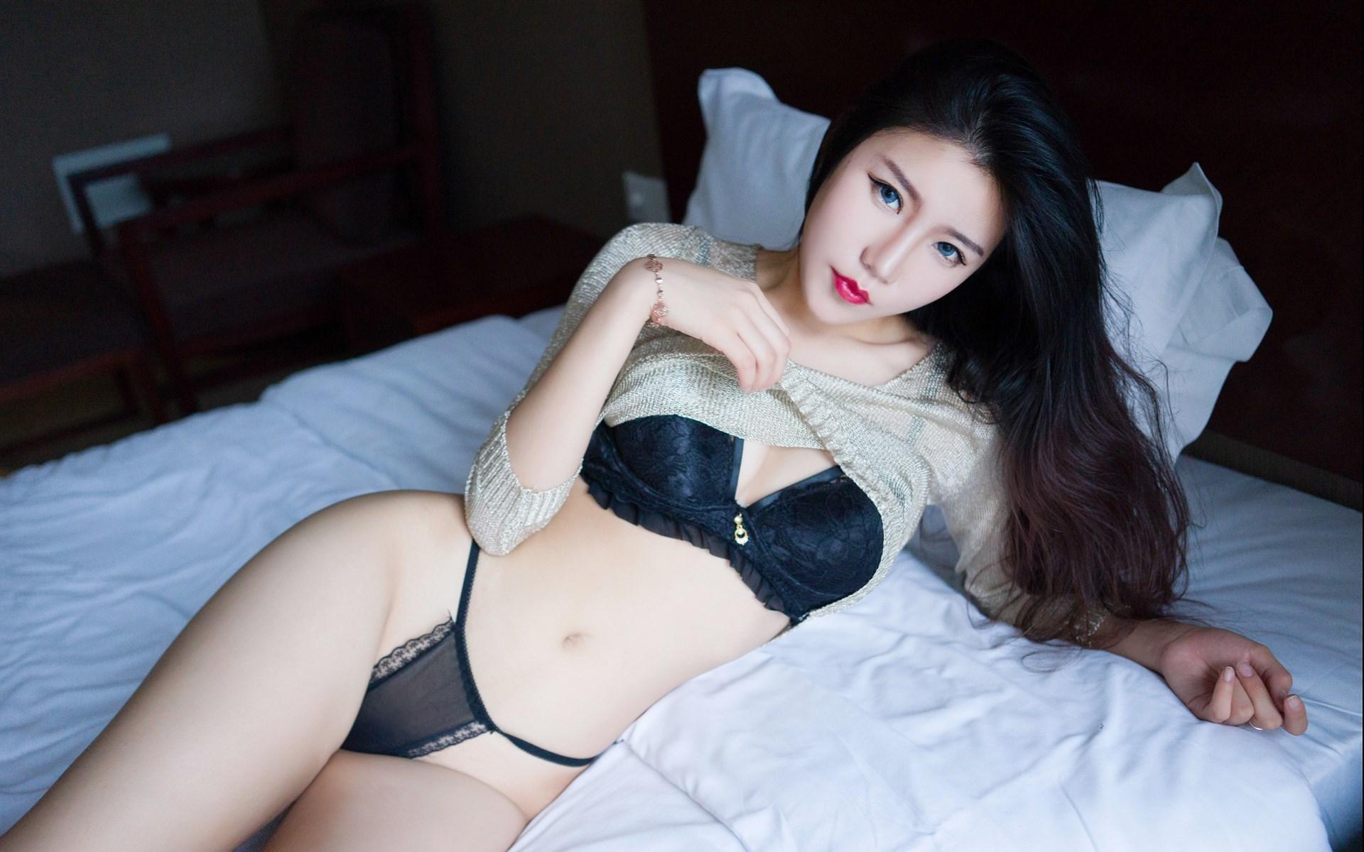 """情圣满枫:女生问""""在干嘛"""", 三个幽默回复, 让她对你""""想入非非"""""""